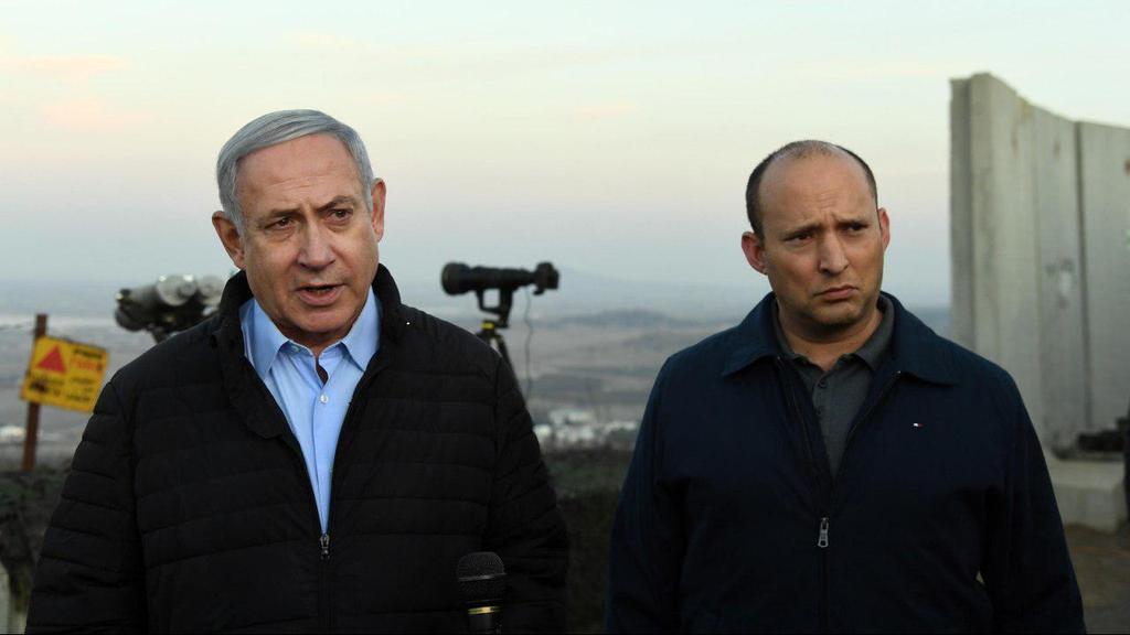 Биньямин Нетаниягу и министр обороны Нафтали Беннет. Фото: GPO